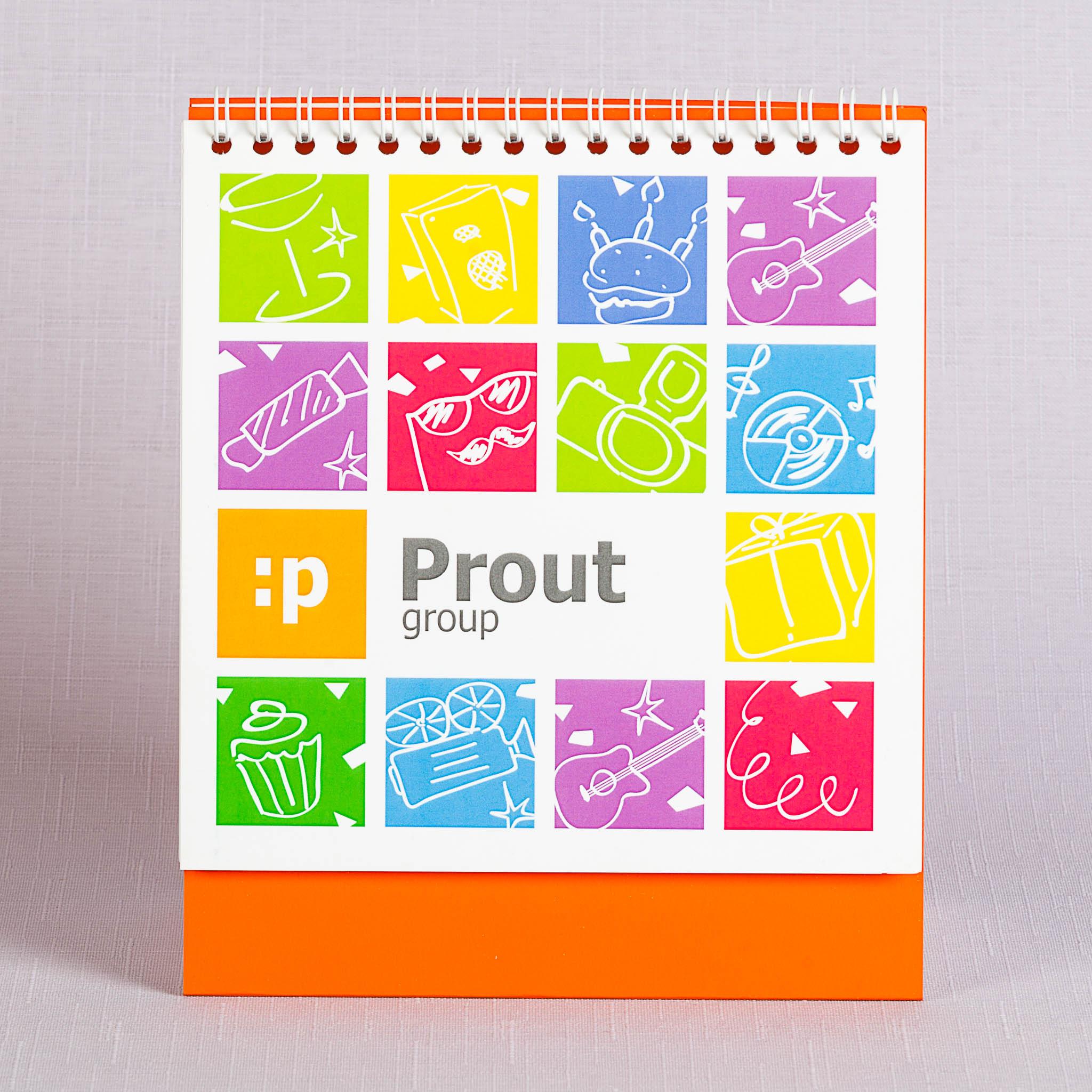квадратный календарь на подставке из дизайнерской бумаги