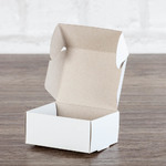Маленькая коробка с ушками из эко картона для ювелирки