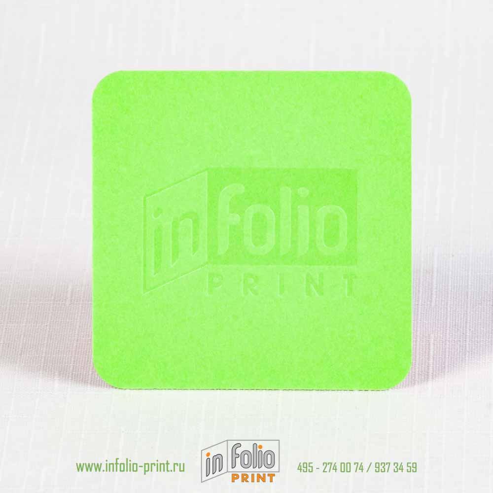 двухслойная квадраная визитка с блинтовым тиснением