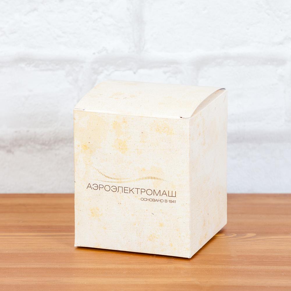 Коробка с логотипом для корпоративных подарков