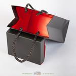 Коробка с подарочным пакетом в одном стиле