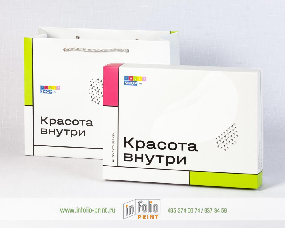 Коробка в подарочном пакете