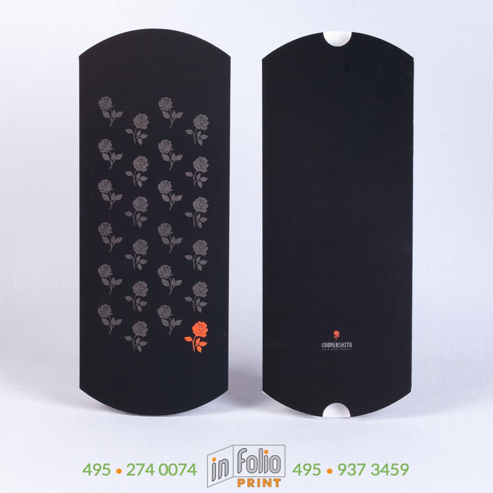 черная упаковка с бархатистым покрытием
