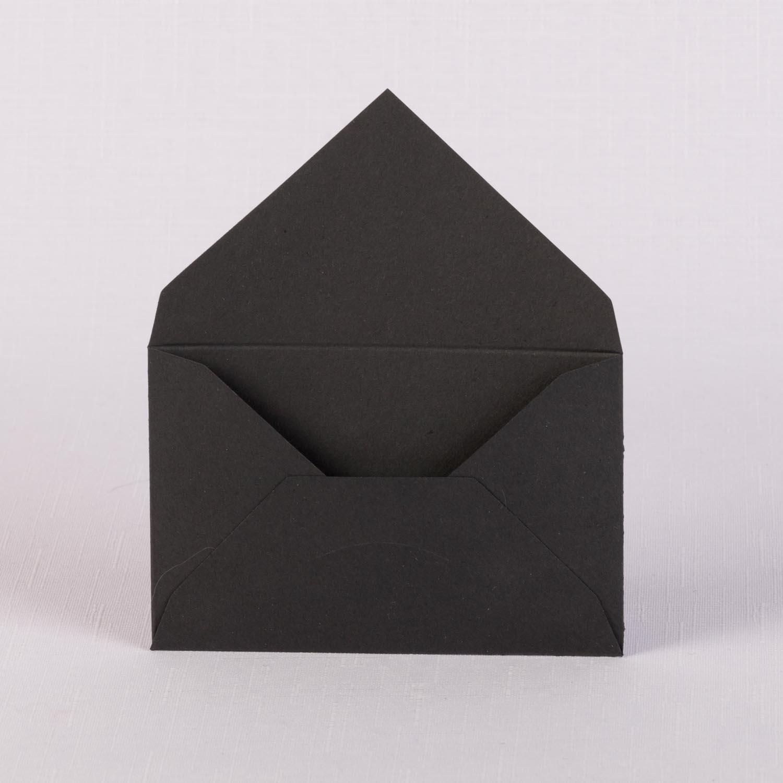 Конверт из черной матовой бумаги