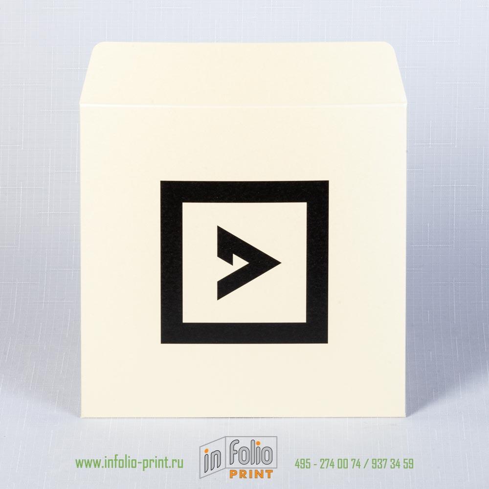 Квадратный конверт 15х15 из блестящего маджестика