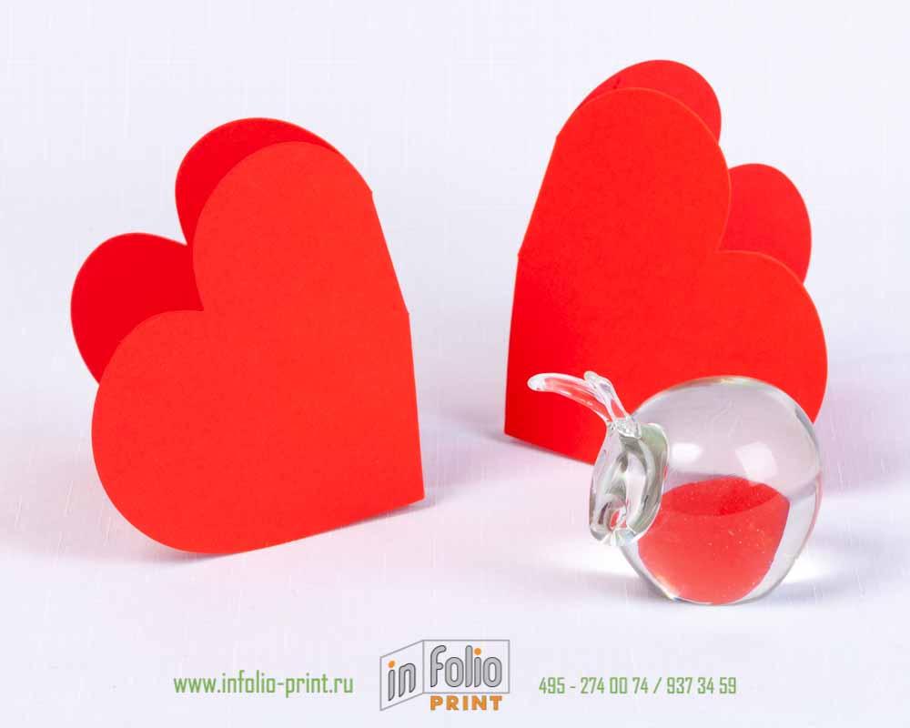 Сердечки из красной бумаги без печати