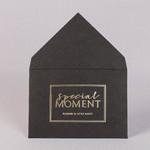 Конверт из черной бумаги с золотым тиснением