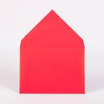 Конверт из мелованной бумаги с треугольным клапаном яркорозового цвета