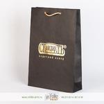 Черный матовый пакет с золотым титснением фольгой