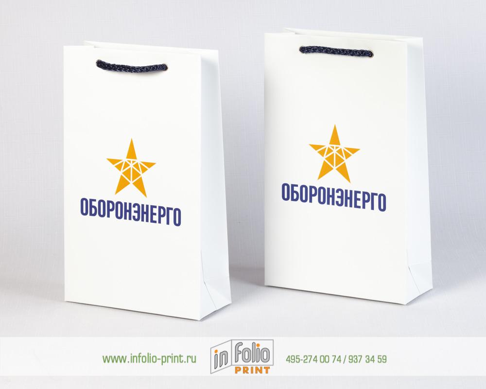 глянцевый бумажный пакет