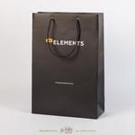 Черный пакет с матовой ламинацией и черными ручками А4