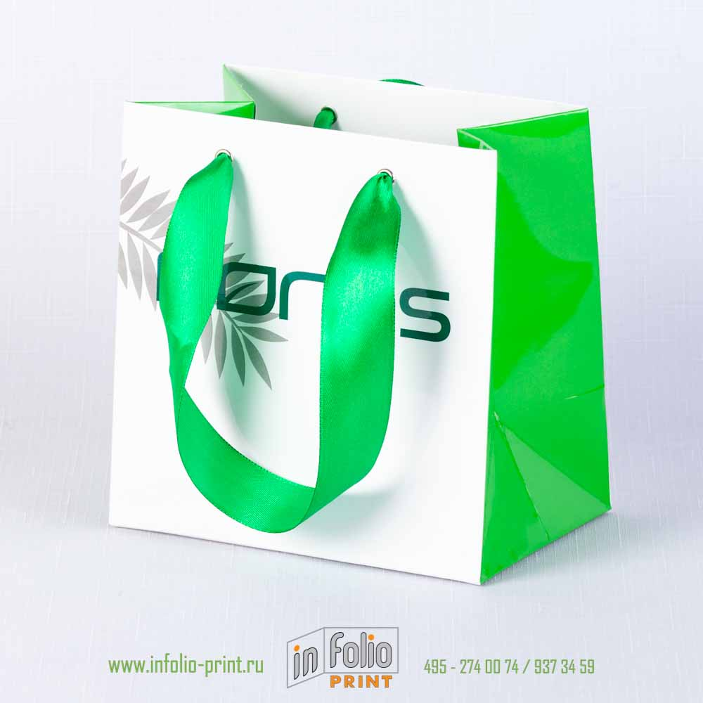 https://www.infolio-print.ru/images/products_gallery_images/P-43_paper_bag_with_rope_20_mm.jpg