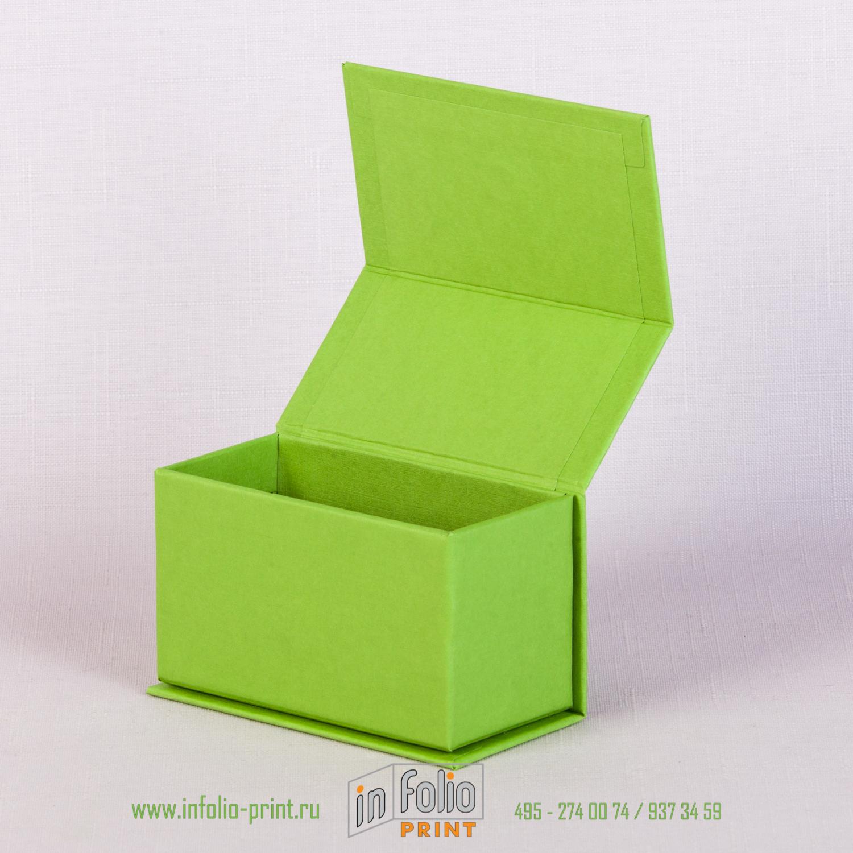 Новая зеленая коробка для визиток